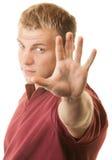 Hübscher blonder Mann mit teilen aus Stockfotos