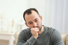 Hübscher deprimierter Mann Stockbilder