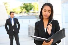 Hübscher Geschäftsfrau-Messwert Stockfotografie