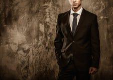 Hübscher gut gekleidet Mann Stockfotos