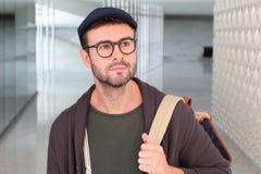 Hübscher männlicher Student zuhause schließen oben lizenzfreie stockfotos