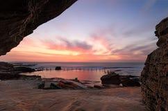 Hübscher Sonnenaufgang an Mahon-Pool Maroubra Lizenzfreies Stockfoto