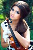 Hübscher Violinist lizenzfreie stockbilder