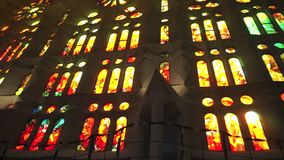 Hübsches Buntglas Windows in Barcelona stock video