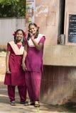 Hübsches indisches Kleinkind bereit, zur Schule zu gehen Lizenzfreie Stockfotografie