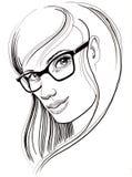 Hübsches Mädchen in den Gläsern Stockfoto
