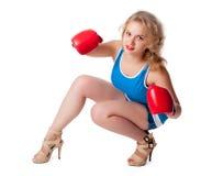 Hübsches Mädchen mit Boxhandschuhen Lizenzfreies Stockfoto
