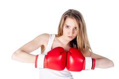 Hübsches Mädchen mit Boxhandschuhen Stockfoto