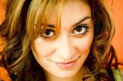 Hübsches Mädchen mit großem, Brown-Augen Stockfotografie