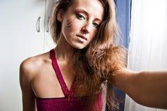 Hübsches Mädchen mit Stammes- Make-up Stockbilder