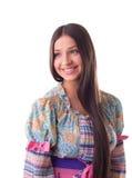 Hübsches Mädchenlächeln - traditionelles russisches Kostüm Stockfotografie