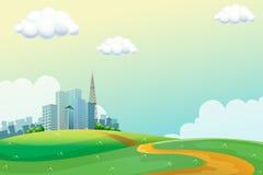 Hügel über den hohen Gebäuden Lizenzfreie Stockfotografie