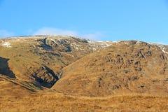 Hügel über Loch-Ehrfurcht, Schottland Stockbilder
