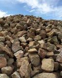 Hügel der Landschaftsgestaltung von Felsen Stockbilder