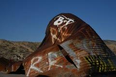 Hügel des gewellten Metallschmutzes Stockbild
