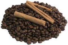 Hügel des Kaffees und des Zimts Lizenzfreies Stockbild