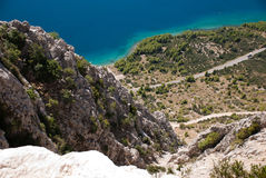 Hügel und adriatisches Meer, Dalmatien, Kroatien Stockbilder