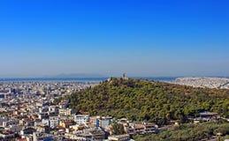 Hügel und Monument Philopappus in Athen lizenzfreie stockfotografie