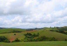 Hügel und Wiesen Vagamon - Grün-Felder und Offener Himmel, Idukki, Kerala, Indien stockbild