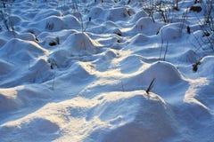 Hügel unter dem Schnee Lizenzfreie Stockfotos