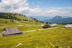 Hügel Velika Planina, Slowenien Stockfotos
