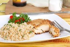 Hühnchen-Brust-Mahlzeit lizenzfreie stockbilder