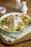 Hühner-Caesar-Salat Lizenzfreie Stockfotos