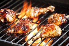 Hühnerbeine auf dem Grill Lizenzfreies Stockbild