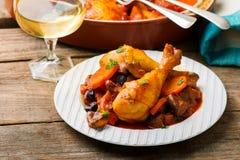 Hühnerbeine mit Gemüse Lizenzfreie Stockfotos