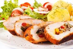 Hühnerbrust, Kartoffeln und Gemüse Lizenzfreies Stockbild