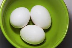 Hühnereien auf Platte stockfotografie