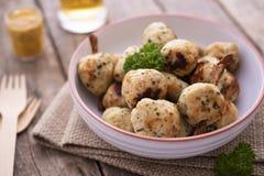 Hühnerfleischklöschen mit Petersilie Lizenzfreie Stockfotos