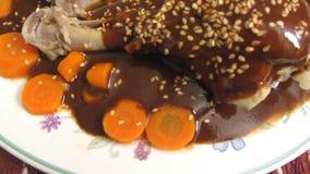 Hühnermole-mexikanisches Lebensmittel-Abendessen stock video