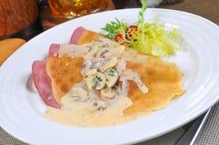 Hühnerrollen und -Ham Salad stockbild