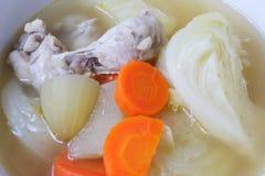 Hühnersuppe mit Gemüse Lizenzfreies Stockfoto