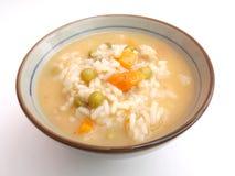 Hühnersuppe mit Reis lizenzfreie stockfotografie