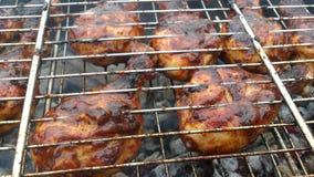 Hühnertrommelstock BBQ stockfoto