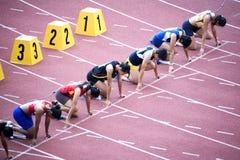 Hürden 100m der Frauen Stockfotos