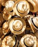 Hüte für Verkauf in einem kubanischen Telefonverkehr Stockfotos