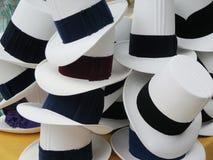 Hüte im Markt in Urubamba im heiligen Tal nahe Machu lizenzfreie stockfotos