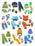 Hüte, Schals und Handschuhe für kleine Jungen Lizenzfreie Stockfotos