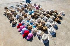 Hüte werden in Vigo, Galizien, Spanien verkauft lizenzfreies stockbild
