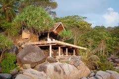Hütte auf dem Felsen Lizenzfreie Stockfotografie