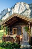 Hütte in den österreichischen Alpen Lizenzfreies Stockbild