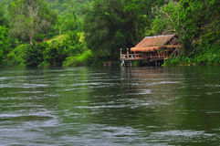 Hütte in der Natur lizenzfreies stockfoto