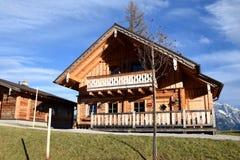 Hütte im Almwelt Österreich Stockbild