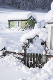 Hütte im tiefen Schnee in Schottland Stockfoto