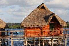 Hütte im Wasser Stockfotos