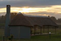Hüttenhaus für Haben eines Grills in Addo Wildlife Lizenzfreie Stockfotografie