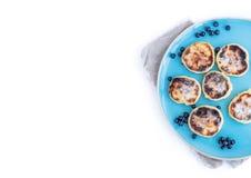Hüttenkäsepfannkuchen mit frischer Blaubeere und Brombeere stauen Lizenzfreies Stockbild